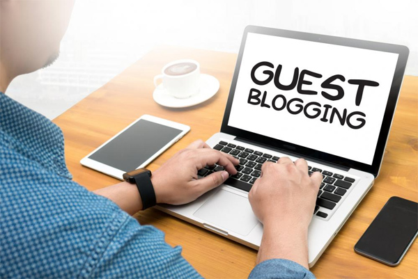 Is Guest Blogging Alive in 2017 and How to do it Properly